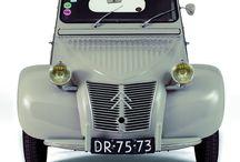 Auto's = Citroën 2CV