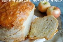 Bread, bread and more bread / by Alyssa Kawamoto