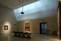 Virtual Tour - Sala XXIV. Piero della Francesca, Bramante, Raffaello, Signorelli / Gli autori dei dipinti conservati in questa sala sono tutti, a vario titolo, legati a Urbino, città marchigiana dove si sviluppò una delle varianti più originali del Rinascimento.