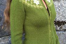 Gensre, jakker og kjoler i strikk