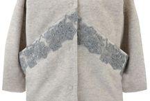 NOWA KOLEKCJA Jesień-Zima 2016 / Nowa kolekcja jesienno-zimowa przywodzi na myśl najlepsze otulacze - ciepłe kurtki, płaszcze i doskonałe wełniane sukienki. Najmodniejsze kolory jesieni wg firmy Pantone plus doskonałe fasony sprawią, że poczujesz się komfortowo i wyjątkowo!