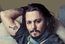 Tatuagens / Veja as tatuagens dos astros de Hollywood (ou não)
