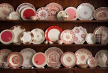 Be My Valentine / Decorating with antiques on Valentine's Day