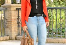 CURVY FASHIONISTA'S / by Inez Tillmon