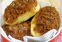 meat floss buns