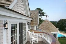 Дома балкон