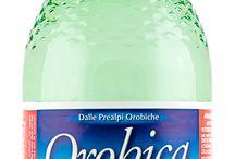 Acqua Orobica / L'acqua Orobica è un'acqua oligominerale microbiologicamente pura, indicata per le diete povere di sodio (poiché inferiore a 20 mg/L.) Inoltre stimola la digestione, può avere effetti diuretici e facilitare l'eliminazione dell'acido urico.