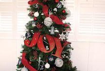 Black, Red & White Christmas