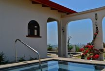 Retire Abroad with Style / Costa Rica is an amazing place to retire abroad and Atenas is the best town for doing it, we've got an offer of beautiful houses with a dash of some styles for you to enjoy it!