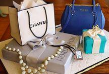 Bag/ gift box cake