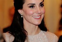 Duchess of Cambridge in Anita Dongre Pinkcity / The Duchess of Cambridge, Kate Middleton, in a pair of pearl drop earrings in 18k hallmark gold with uncut diamonds and south sea pearls, exclusively handcrafted by Jet Gems and designed by Anita Dongre at the Royal Reception at Birmingham Palace, London.