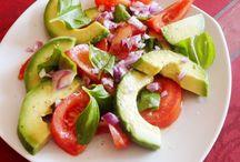 Avokádó saláta.