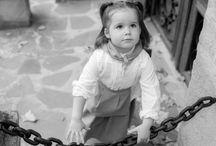 Reportaje familiar, regalando recuerdos / Reportaje infantil y familiar en las inmediaciones de Vitoria-Gasteiz, en el pueblo de Foronda. Fotografía profesional. Sesión de fotos exteriores.