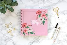 Planner 2018 | Flow Planners / Met een frisse en vrolijke uitstraling straalt deze planner positiviteit en power uit, maar tegelijkertijd is hij ook op en top vrouwelijk. Door de veelzijdige mogelijkheden is het echt dé musthave planner voor de ambitieuze en ondernemende vrouw.   Agenda - Stationery - Planner