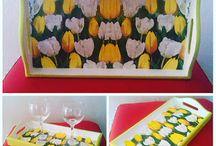 Bandejas / bandejas decorativas y funcionales... pintadas y decoradas mediante decoupage