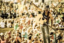Whiskey Riff / The most entertaining country music website ever. Check us out ➡️ whiskeyriff.com