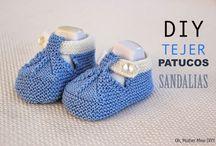 Patucos de bebe tejidos