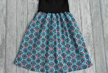 Damenröcke - Unikate handgemacht / hier findest du schicke handgemachte Damenröcke aus bequemem Stretchjersey. Alle haben einen dehnbaren Bund und sind somit unglaublich flexibel.