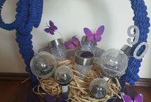 koszyk prezent ogrodowy / Koszyk z lampek słonecznych i węża ogrodowego