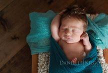 Newborn Photography / newborn photography. Guelph newborn photographer. Twin newborn photos. Newborn photographer. Studio and in home newborn sessions.