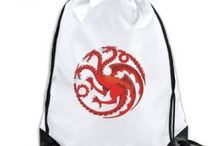 Dragon Backpack / Discover flaming and creepy artistic design Dragon Backpacks that feature monstrous dragons. Here are 10 top picks you should