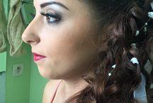 Maquillage - Makeup / Pour votre mise en beauté, nous vous proposons des maquillages issus de divers horizons. Si vous souhaitez quelque chose de discret, vous opterez certainement pour un maquillage naturel. Un style charbonneux fera plaisir à celles d'entre vous qui recherchent un regard sulfureux ou mystérieux. Choisissez aussi une mise en beauté ethnique avec nos maquillages libanais ou orientaux.