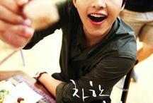 Song Joongki ^^V