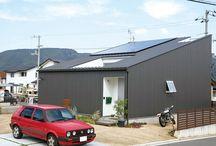 施工例15lソラマド香川 / 香川県内で建てたソラマドの家の写真です。 お洒落で、わくわくして、人とは違った家を建てたい、もちろんローコストで…。 私たちは、そんな住宅をたくさん実現してきました。 お客様のお好みのテイストはもちろん、ライフスタイルに合わせた、快適で心地良いオンリーワンの住まいをご覧ください。 <Works15> 香川県高松市 家族構成:夫婦+子ども2人 延床面積:82.62m²