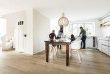 Parkett in der Küche / Die Küche als Mittelpunkt des Zuhauses: Ein Platz, wo sich Familie und Freunde treffen. Bauwerk Parkett verleiht einen besonderen Charakter.