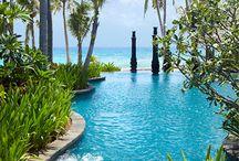 Beautiful Places to Stay / by Carolina de Heine