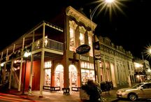 Around Oxford / Ole Miss is located in Oxford, Mississippi, a small town consistently ranked among the top college towns in the nation. From the Double Decker Arts Festival to a vibrant literary scene and the downtown Oxford Square, Oxford offers something for everyone.
