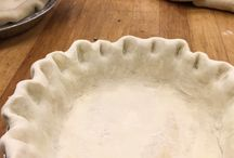 Pies / DeEtta's pies start out with a hand-formed crust and are filled with the best seasonal fruits and fillings available.