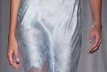 Slip dress / O Slip Dress é a #Tendência do momento. Vem saber tudo nesse post incrível:  http://caroldoria.com/2016/06/tendencia-slip-dress/