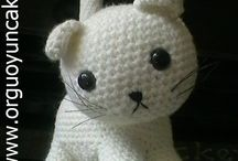 Amigurumi / Crochet Kittens / Curated by http://shelovescutenl.blogspot.nl/
