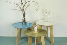 Nº Vijf tafeltjes van Trend100 / Bijzettafeltjes van Trend100.nl zijn van hoge kwaliteit en duurzaam geproduceerd in Nederland. De tafeltjes kunnen in allerlei kleuren en samenstellingen.