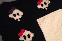 Denise Douglas / Knitted skull blanket with bows