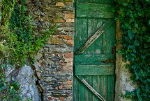 Hold the door / by Robin Palmer