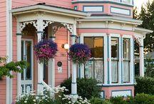 Blue Goose Exterior - Kineth House / The John & Jane Kineth House (1887)