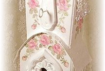 Bird Houses/ Cages - Shabby style / by Jenny Skinner
