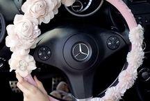 Autoilutarvikkeita