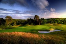 Golf Courses in Cornwall / Whether you're a seasoned pro, a budding beginner or looking for a great family day out, Cornwall has some extraordinary golf courses to discover.
