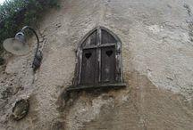 porte, finestre e cancelli / porte, finestre e cancelli (o loro particolari) che mi ispirano