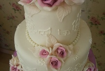 IVORY AND PINK CAKES