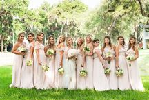 "Ben & Laura's Sawgrass Marriott wedding / Beautiful blush and ivory floral arrangements reflecting the ""Gatsby"" style.  All photos by Agnes Lopez Photography"