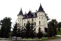 Sokołowiec Górny - Pałac / Pałac w Sokołowcu Górnym  XIX wieczny pałac, stylizowany na warowny zamek. Obecnie jest własnością prywatną.