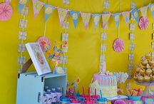 Sunshine and Pink Lemonade 1st Birthday Party / How set is this first birthday decoration set! When life gives you lemons make pink lemonade. This party theme was designed by Little Monkey Designs. Visits our blog post they your free Punk lemonade printable!