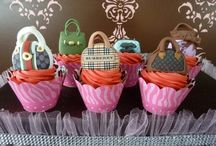 Cupcakes / Cupcake ideas, recipes / by Pretty My Party - Cristy Mishkula