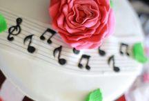 Piano / Birthday Cake