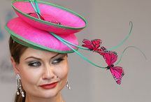 klobouky a fascinátory / klobouků