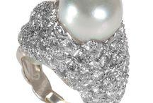 so I love pearls.....................?
